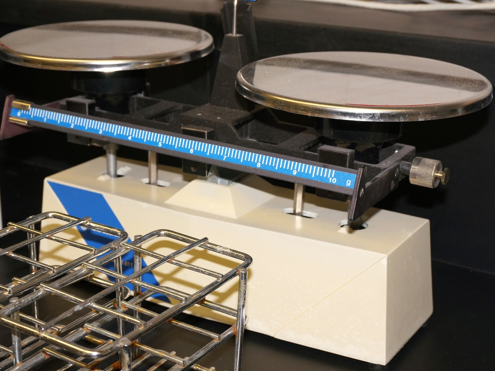 Eliminating Inaccuracy in Precision Weighing Caused by