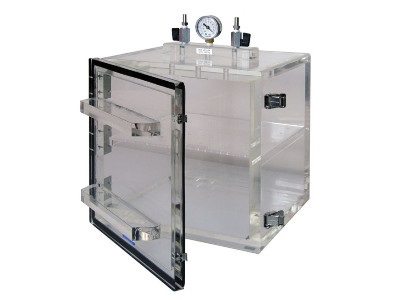 Beautiful 1300 Series Vacuum Desiccator Cabinets From Cleatech Laboratory Solutions