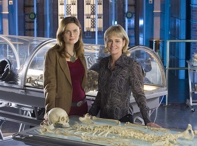 Forensic Anthropologist Kathy Reichs Discusses her Latest Bones Book, DNA  Advances and 'Experts'